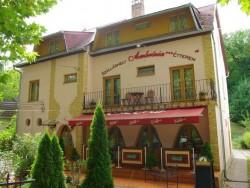 Ambrózia Unterkunft und Restaurant Miskolctapolca