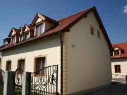 Apartmánový dom Familia Sarvar