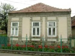 Vidiecky dom Baritanya Kisnána
