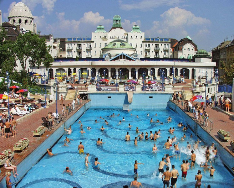 Gell rt thermalbad und schwimmbad budapest budapest for A list salon budapest
